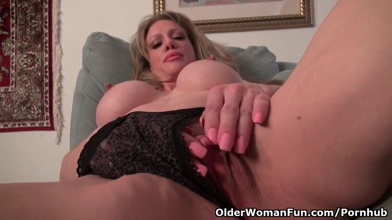 Большой клитор зрелой женщины